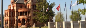 courthouse memorial flags