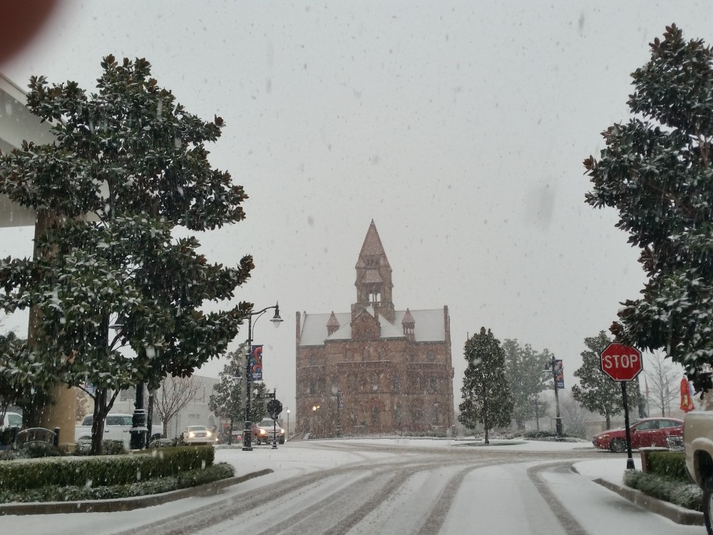 courthouse snow downtown