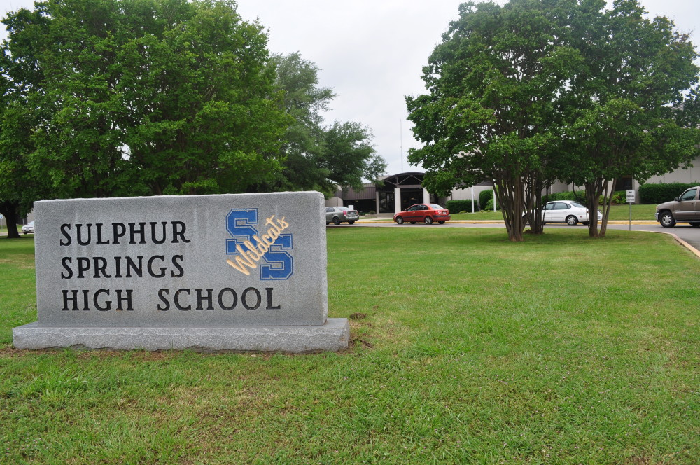 sssid front high school sign