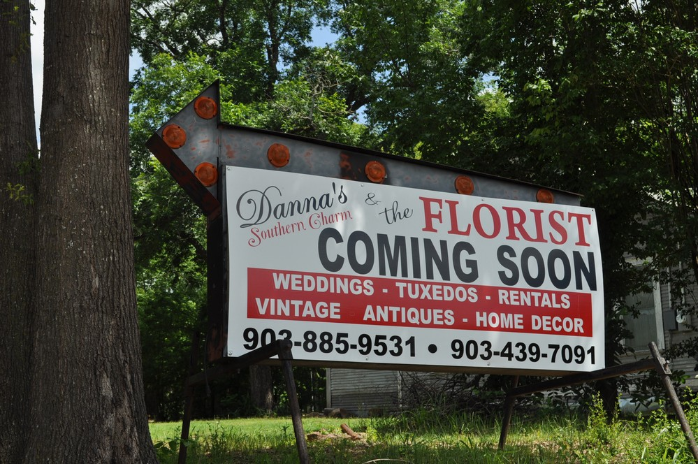 Danna's and The Florist moving locations